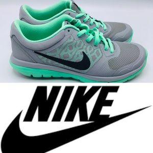 newest c42f9 c0276 Nike Women s Flex Run 2015 Gym Shoes